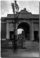 The Menin Gate in 1927