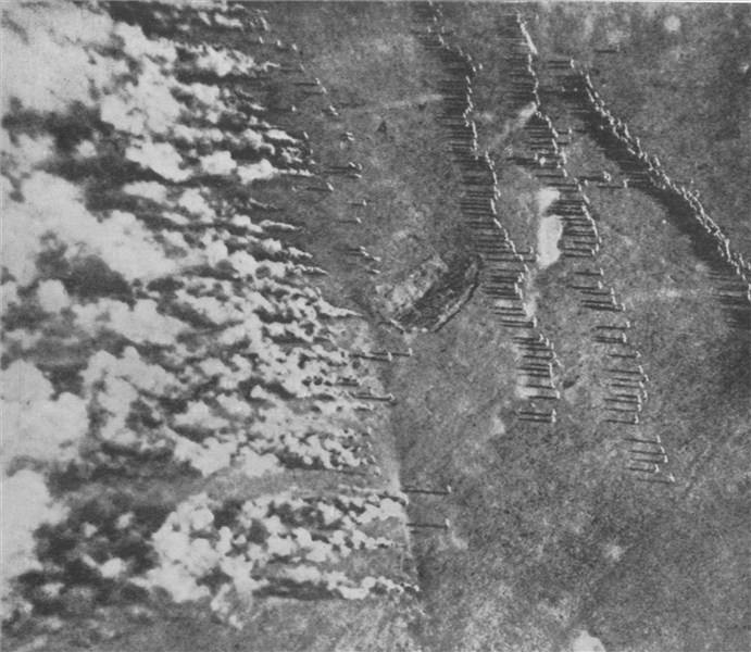 View of a gas attack on German trenches on the Eastern Front (GW)