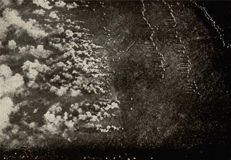 Aerial photo of a German gas attack on the Eastern Front (HW)