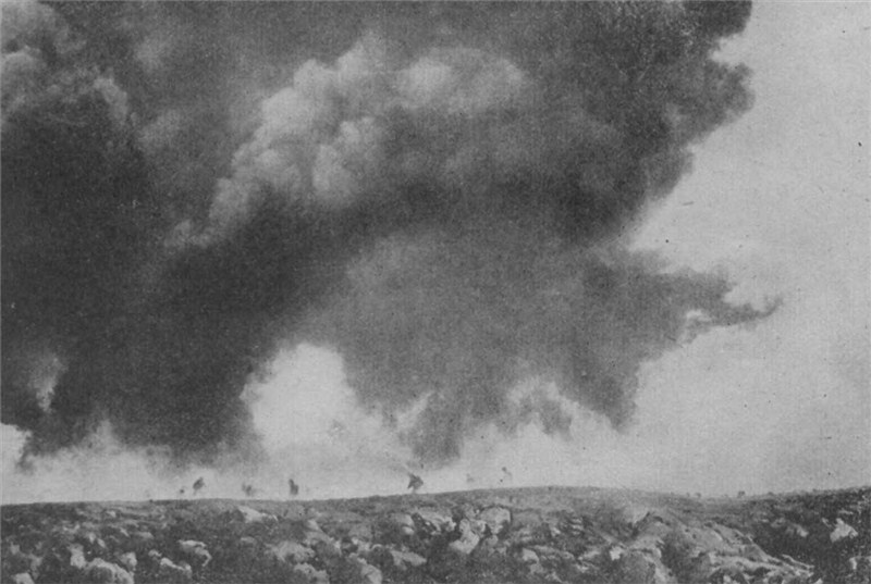 French gas attack upon German lines (WW)