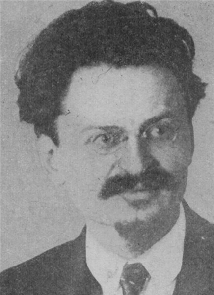 trotsky stalin ดูวิดีโอ explore the life of leon trotsky, whose intellect and leadership made him a change agent during the russian revolution, only to lose favor with lenin and incur the wrath of joseph stalin.